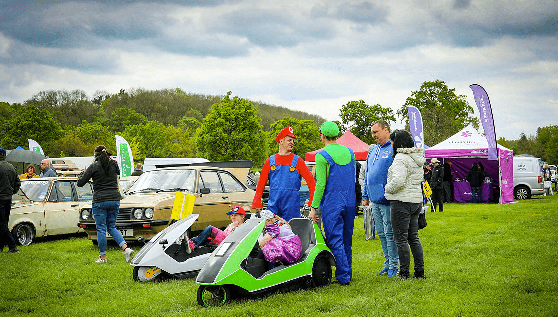 classic motor show & family fun day catton hall 5th may 2019 11