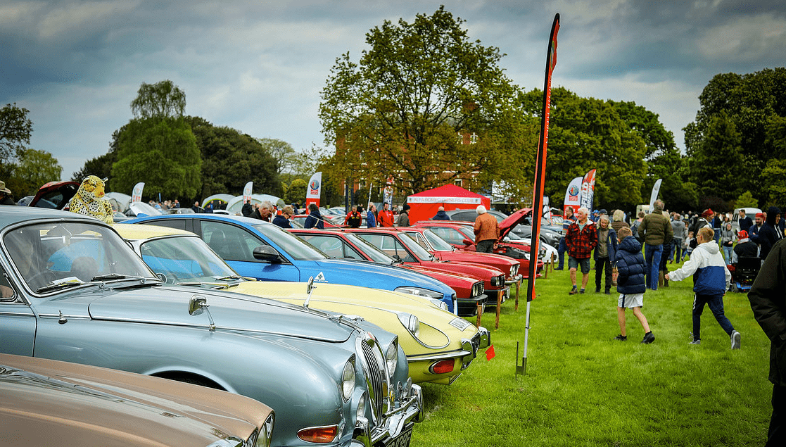 classic motor show & family fun day catton hall 5th may 2019 13