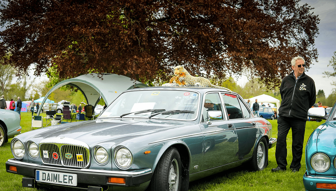classic motor show & family fun day catton hall 5th may 2019 15