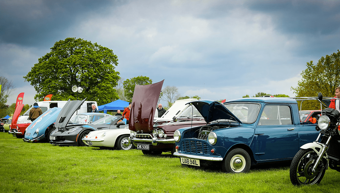 classic motor show & family fun day catton hall 5th may 2019 2